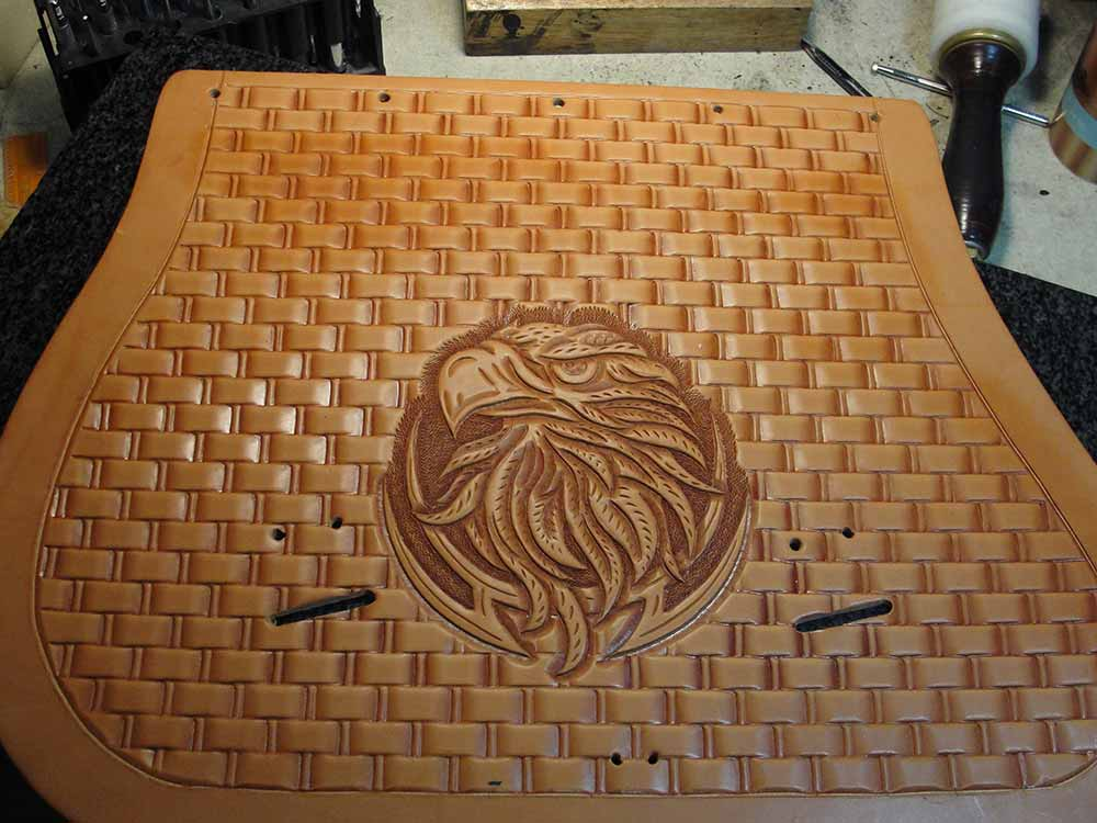 how to use a basket weave leather stamp